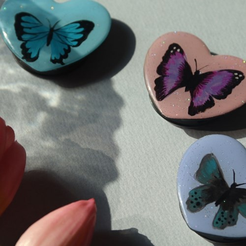 그려낸 나비 하트 그립톡 스마트톡