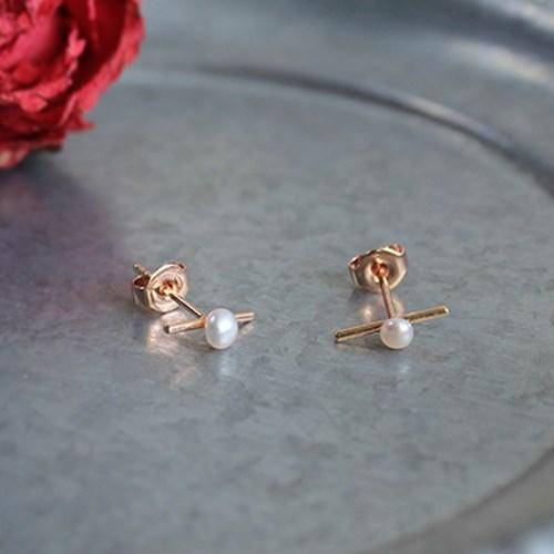 로즈 바 진주 귀걸이(6월탄생석)rose bar pearl earring