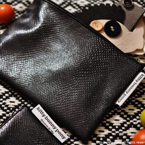 waterproof kill black pouch