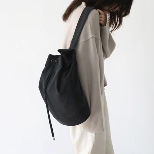 monochrome shoulder bag _ black