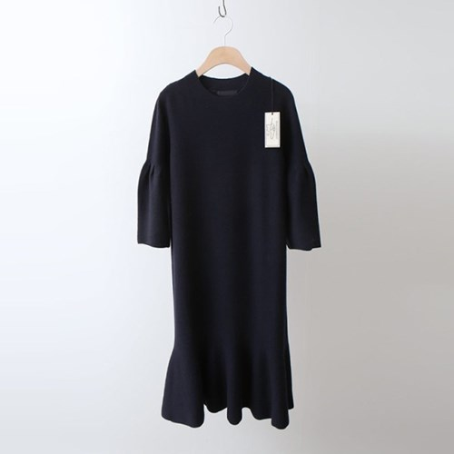 Hoega Wool Ruffle Dress