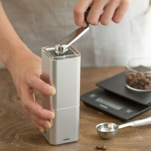 [하리오] 알루미늄 합금 커피밀 프리즘 실버