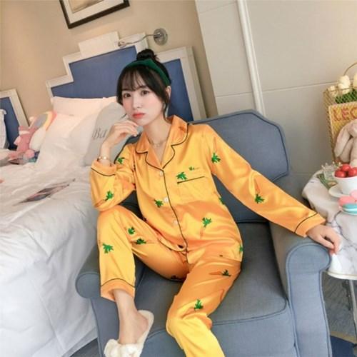 당근 패턴 잠옷