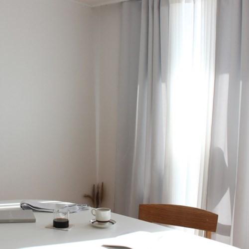 주조밍 내추럴톤 호텔 닮은 화이트 암막커튼
