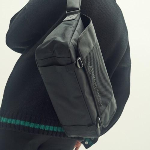ZIP CODE MESSENGER BAG