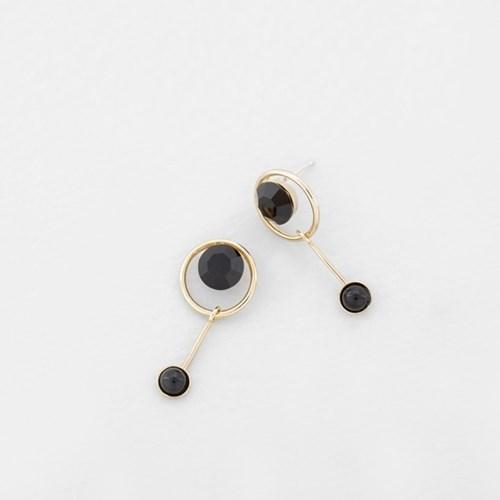 [쥬디앤폴] 엘레노 오닉스 블랙 라운드 드롭 귀걸이 E51699