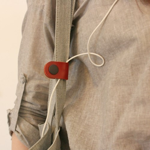 LEATHER CABLE HOLDER _ RED
