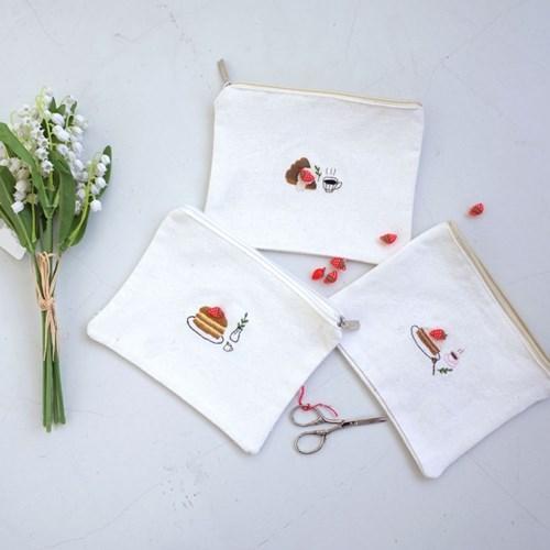 재밌는 집콕취미 : 달콤한 딸기케이크 자수파우치 만들기 DIY KIT
