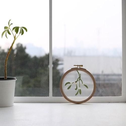 보석과 함께 수놓는 겨우살이 투명자수액자 DIY KIT