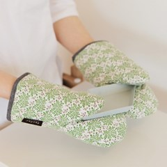green glass glove