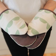 mint half moon glove