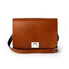 London Tan Medium Pixie Bag