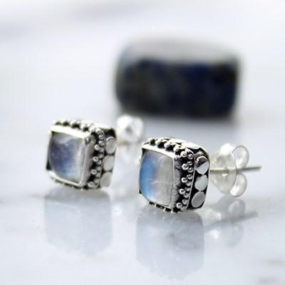 도트 레인보우문스톤 귀걸이 dot rainbow moonstone earring