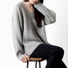 v-neck loose fit knit