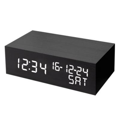 소리에 반응하는 원목 시계