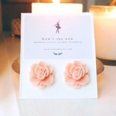 [하우즈쉬나우] spring rose earrings (peach)