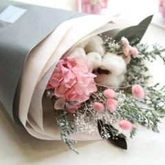 목화와 핑크수국 꽃다발