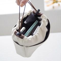 캔버스 백인백-M