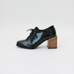Wood heel point shoes