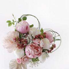 하트 핸드타이드 꽃다발