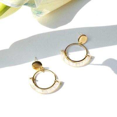 Flying petals_half round earrings