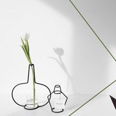 NUDE VASE ( H250 ) + GLASS VASE