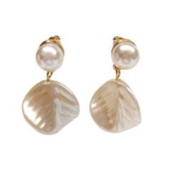 Pearl Leaf Earring