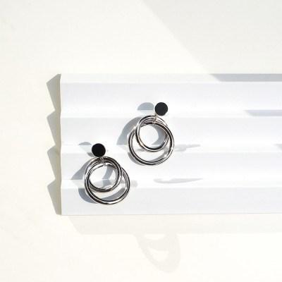 Floating circle earrings