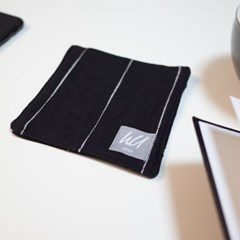 [pin stripe] coaster_black
