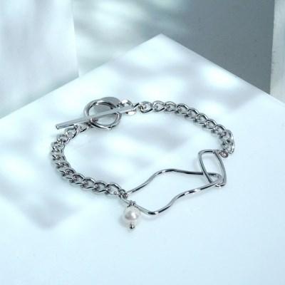 Soft frame bracelet