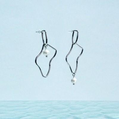 Soft frame earrings