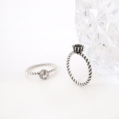 Twist cubic ring