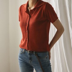 button collar knit