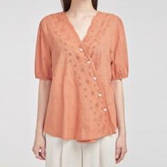 flower piece embroidery V-neck blouse_(693519)