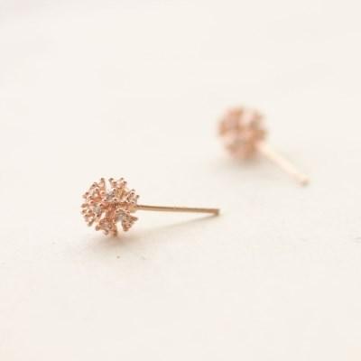Popping ball earring