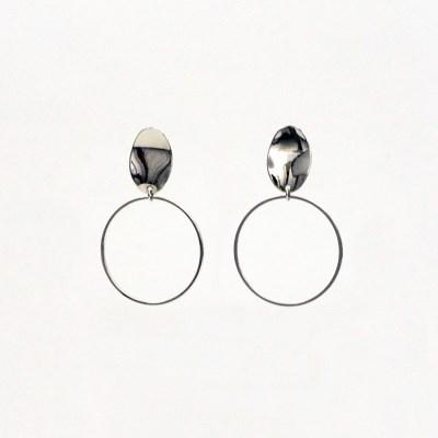 Rough oval earrings