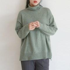 Basic wool turtleneck knit