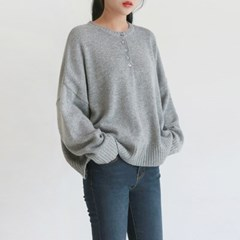 Henly-neck casual knit