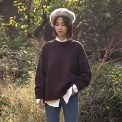 round neck simple knit