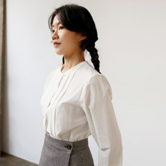 ROUND PINTUCK BLOUSE-IVORY