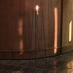 A.B X HOTELNUANCE MARS ATTACKS FLOOR LAMP ala022(Nav_(902462581)