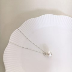 Pearl Q necklace (실버 진주 큐빅 목걸이) [92.5 silver]