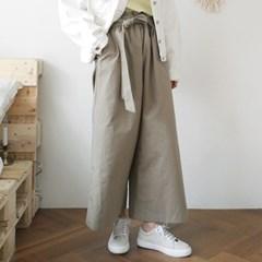 Banding strap wide pants