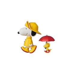 UDF Raincoat Snoopy & Woodstock (PEANUTS Series 7)