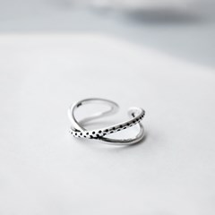 SV925 DOTTED CROSS RING
