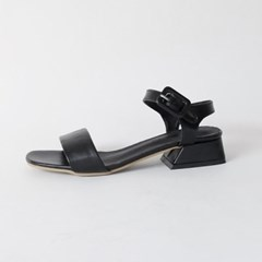 Stable line sandals
