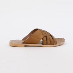Honeycomb pattern cross slipper