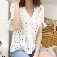 Flower punching lace blouse
