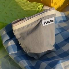 Aeiou Basic Pouch / gray elephant