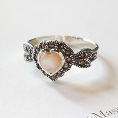 princess pink motherpearl ring